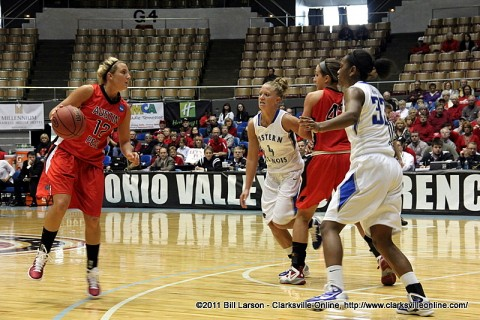 Lady Govs defeat Eastern Illinois in the OVC Basketball Tournament.