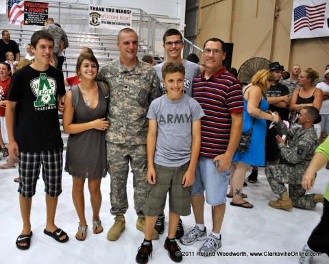SPC Jonathan Lounds with his girlfriend Natalie Snyder and Father Greg along with his brothers Christopher, Josh and Kyle