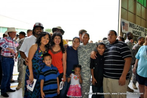 SGT Rachael Ward along with Joshua Jackson and her family, Gerri, Lucia, Brice, Scott, Tasha, Karie, Christian and Miley