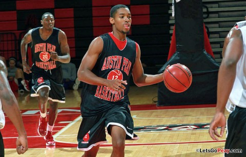 Tyshwan Edmondson brings the ball upcourt during the second basketball scrimmage, Sunday afternoon. APSU Basketball. (Courtesy: Austin Peay Sports Information)