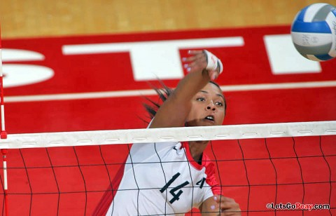 Freshman Jada Stotts recorded a career-best 13 kills while making her second collegiate start in Austin Peay's five-set victory against Eastern Kentucky, Monday. APSU Volleyball. (Courtesy: Keith Dorris/Dorris Photography)