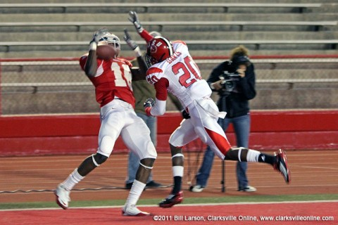 Devin Stark makes a spectacular catch for a touchdown. APSU Football.