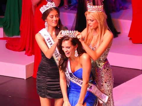 Miss Tennessee USA 2012 receives her crown from Miss Tennessee USA 2011 Ashley Durham (R) and Miss Tennessee USA Teen 2012,