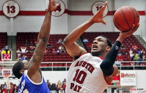 Will Triggs and the Govs found the going tough inside against MTSU. Austin Peay Basketball. (Courtesy: Robert Smith/The Leaf-Chronicle)