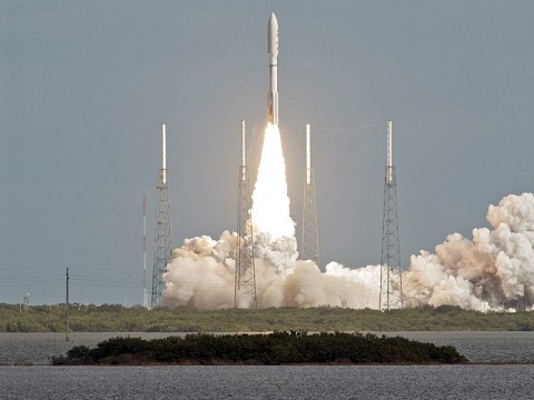 NASA's Mars Science Laboratory lifts off from Cape Canaveral Air Force Station, FL. (Image credit: NASA/JPL-Caltech)