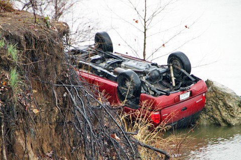 1999 Dodge Durango found upside down along the bank of the Cumberland river at Crossland Avenue and Riverside Drive. (Photo by CPD-Jim Knoll)