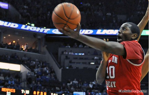 Melvin Baker takes it to the hoop Saturday Night against Memphis. Baker ended the game with 15 points. Austin Peay Basketball. (Courtesy: Austin Peay Sports Information)