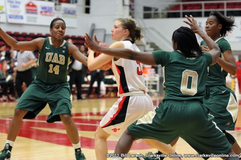 Nicole Olszewski looks to pass the ball before UAB can set the trap Saturday Night at the Dunn Center. Austin Peay Basketball.