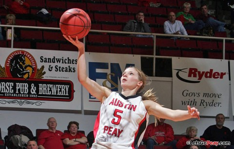 Junior Nicole Olszewski led all scorers with 16 points in Austin Peay's victory at Belmont, Sunday. (Courtesy: Keith Dorris/Dorris Photography)