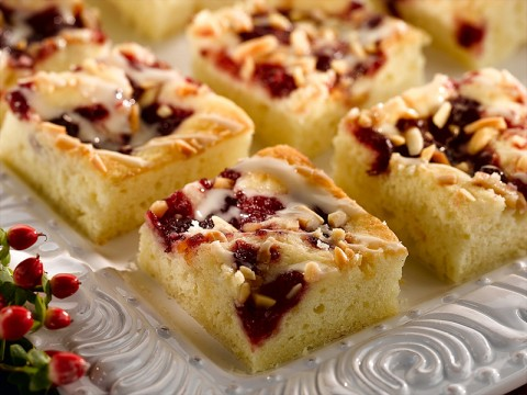 Cranberry Sourcream Coffee Cake