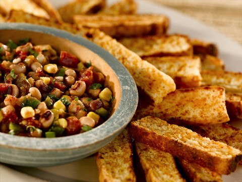 Black-Eyed Pea Salsa with Cheddar Cornbread Dippers