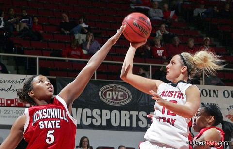 Senior Whitney Hanley scored a career-high 32 points in Austin Peay's loss to Jacksonville State, Saturday. Austin Peay Women's Basketball. (Courtesy: Keith Dorris/Dorris Photography)