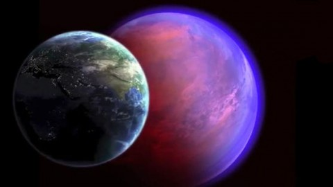 An artist's concept of Earth and 55 Cancri e positioned side by side for comparison.