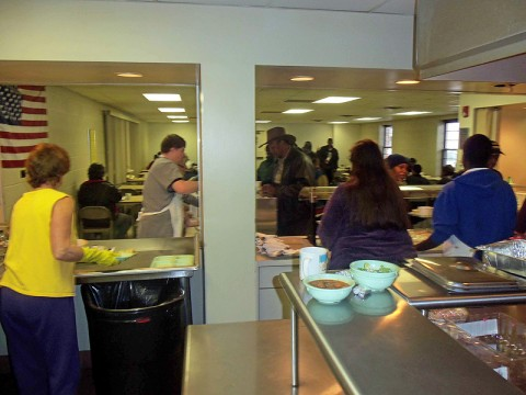 Interns from LEAP serving at Loaves and Fishes.