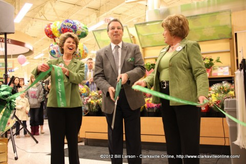 The Ribbon Cutting opens the new Publix Grocery Store on Madison Street