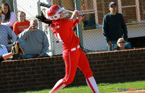 Sophomore Ladurn de Castro drove in game-winning run in split with Morehead State. Austin Peay Softball. (Courtesy: Austin Peay Sports Information)