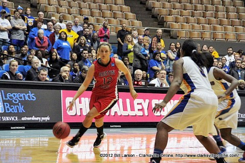 Whitney Hanley drives to the basket during Austin Peay Lady Govs' 84-83 overtime victory against Morehead State. Hanley had 38 points in the game. Austin Peay Women's Basketball.