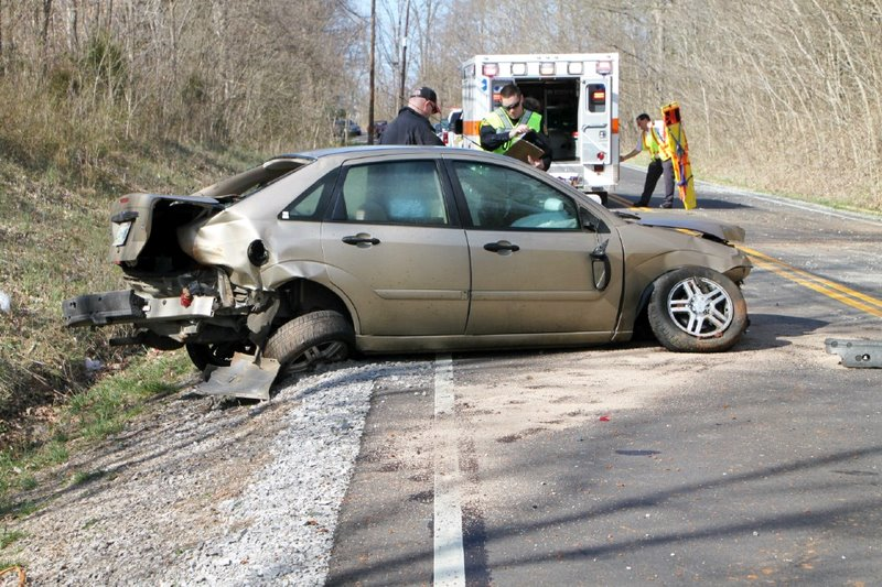 2002 Ford Focus that crashed on Needmore Road sending four teenagers to the hospital. ( & Clarksville Police reports Car Crash on Needmore Road sends Four ... markmcfarlin.com
