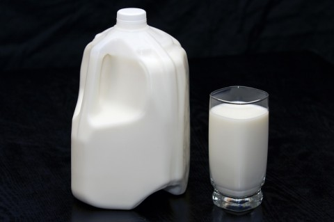 People who drank low-fat milk had a lower risk of stroke compared to those who consumed full-fat dairy foods.