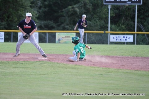 Greenville played Smith County Thursday night in the State Junior (13-14) Baseball Tournament.