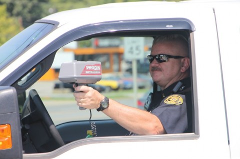 Lt Phil Ashby running radar along Fort Campbell Boulevard. (Photo by CPD-Jim Knoll)