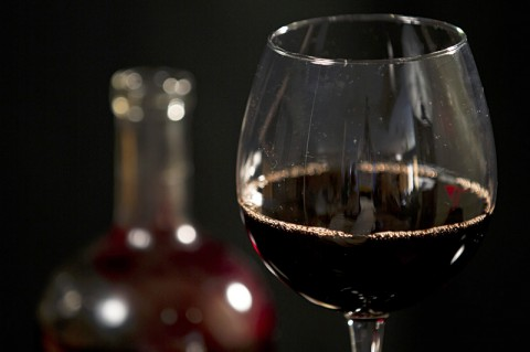 Non-alcoholic red wine was more effective at lowering blood pressure than traditional red wine or gin. (Copyright American Heart Association)