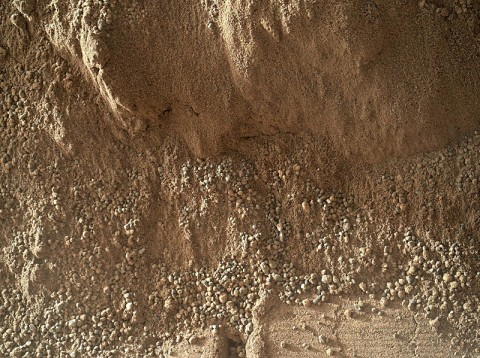 This image shows the wall of a scuffmark NASA's Curiosity made in a windblown ripple of Martian sand with its wheel. (Image credit: NASA/JPL-Caltech/MSSS)