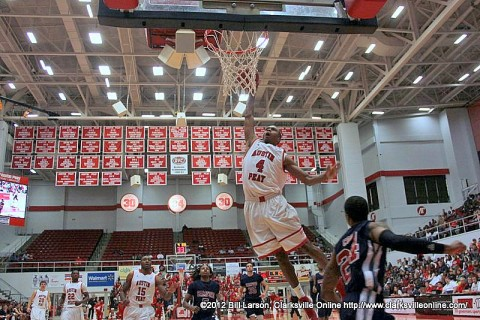 Austin Peay's Travis Betran goes up for a dunk in Friday night's game against Samford.