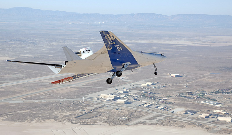 Nasa dryden 39 s x 48 blended wing body aircraft completes for Nasa air study