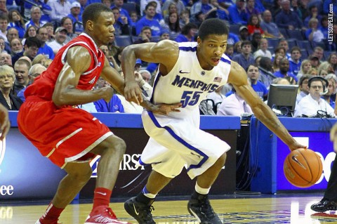 Austin Peay Men's Basketball. (Courtesy: Spruce Derden/US Press Wire)