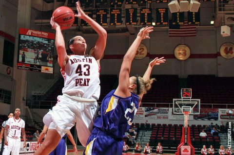 Senior Meghan Bussabarger led Austin Peay with 25 points in Sunday's win against St. Catharine. (Courtesy: Brittney Sparn/APSU Sports Information)