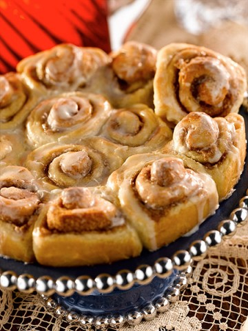Holiday Cinnamon Rolls