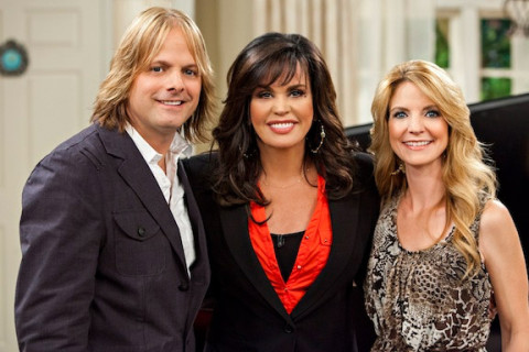 Lee Roy, Marie Osmond and Elaine Roy. (Credit:  Crown Media United States, LLC/Alexx Henry Studios)