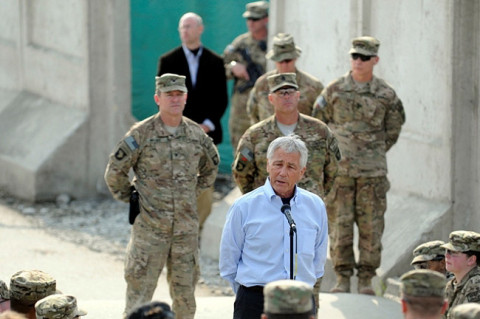 U.S. Secretary of Defense, the Honorable Chuck Hagel, speaks to Combined Team Bastogne, 1st Brigade Combat Team, 101st Airborne Division, March 9, 2013, at Forward Operating Base Fenty, Afghanistan. (U.S. Army Photo by Sgt. Jon Heinrich, Combined Team 1-101 Public Affairs)