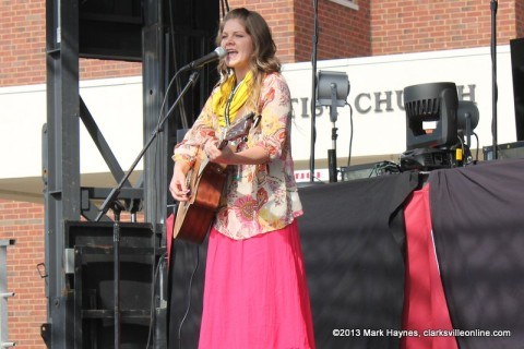Lydia Walker performing on the Family Fun State at Rivers and Spires.