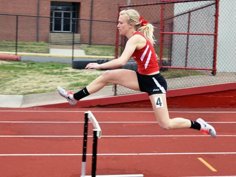 Austin Peay Women's Track and Field. (Josh Vaughn - Clarksville Sports Network)