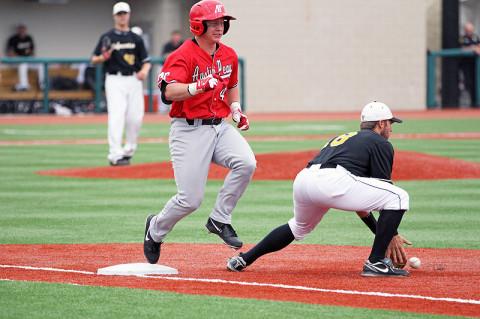 Austin Peay Baseball vs Valparaiso. (Lisa Kemmer - Clarksville Sports Network)