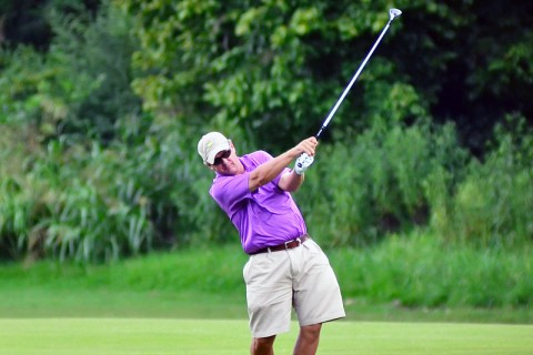 Greg Guinn hits a shot during the City Amateur Golf Championship. (Josh Vaughn - Clarksville Sports Network)
