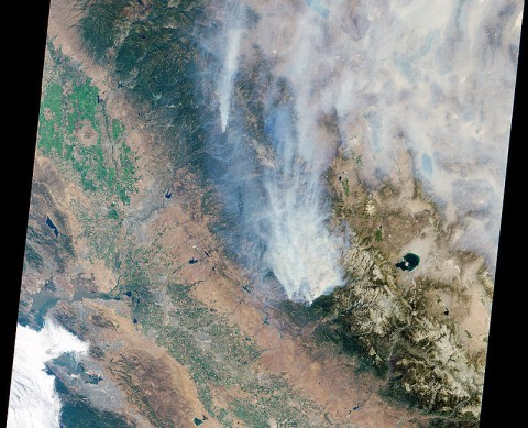 Visible image of California's Rim Fire acquired Aug. 23rd, 2013 by the Multi-angle Imaging SpectroRadiometer (MISR) instrument on NASA's Terra spacecraft, showing extensive, brownish smoke. The imaged area measures 236 by 215 miles (380 by 346 kilometers). (Image credit: NASA/GSFC/LaRC/JPL, MISR Team)