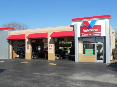 Valvoline Instant Oil Change-Madison Street Clarksville