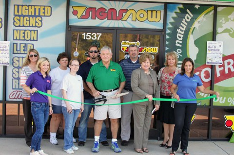 Green Ribbon Cutting Ceremony for Signs Now of Clarksville