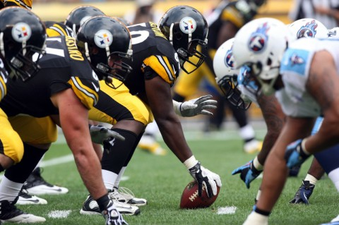 Pittsburgh Steelers center Kelvin Beachum (68) centers the ball against the Tennessee Titans during the first half at Heinz Field. (Jason Bridge - USA TODAY Sports)