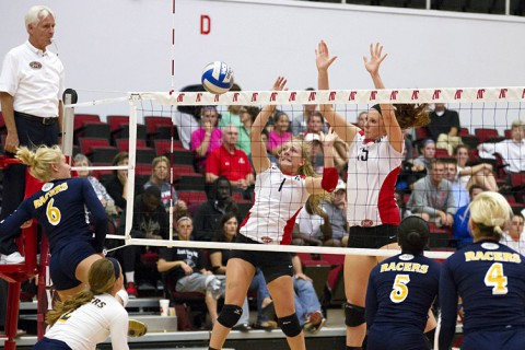 Austin Peay State University Volleyball Team defeats Murray State. (David Roach-Clarksville Sports Network)
