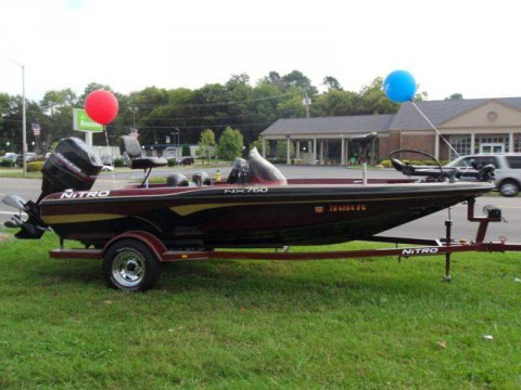 Photo of the boat stolen from Bill Roberts Thunder Road.