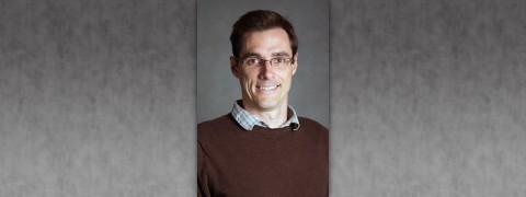 APSU Profesor Dr. Daniel Shea