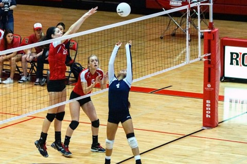 Rossview defeats Northeast in District 10-AAA Volleyball. (Michael Rios-Clarksville Sports Network)