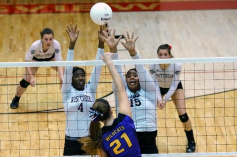 West Creek defeats Clarksville High in District 10-AAA Volleyball. (Michael Rios-Clarksville Sports Network)
