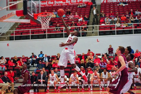 Austin Peay's Damarius Smith puts in a lay up in Governors 72-70 victory over Southern Illinois.