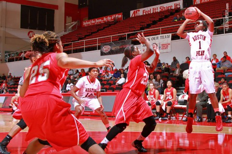 Sophomore guard Tiasha Gray will lead the Lady Govs in Saturday's season opener at Western Kentucky. (Brittney Sparn/APSU Sports Information)