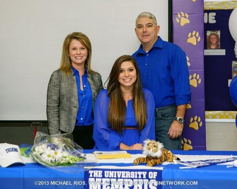 Clarksville High School golfer Megan Beane signs with Memphis Tigers. (Michael Rios-Clarksville Sports Network)